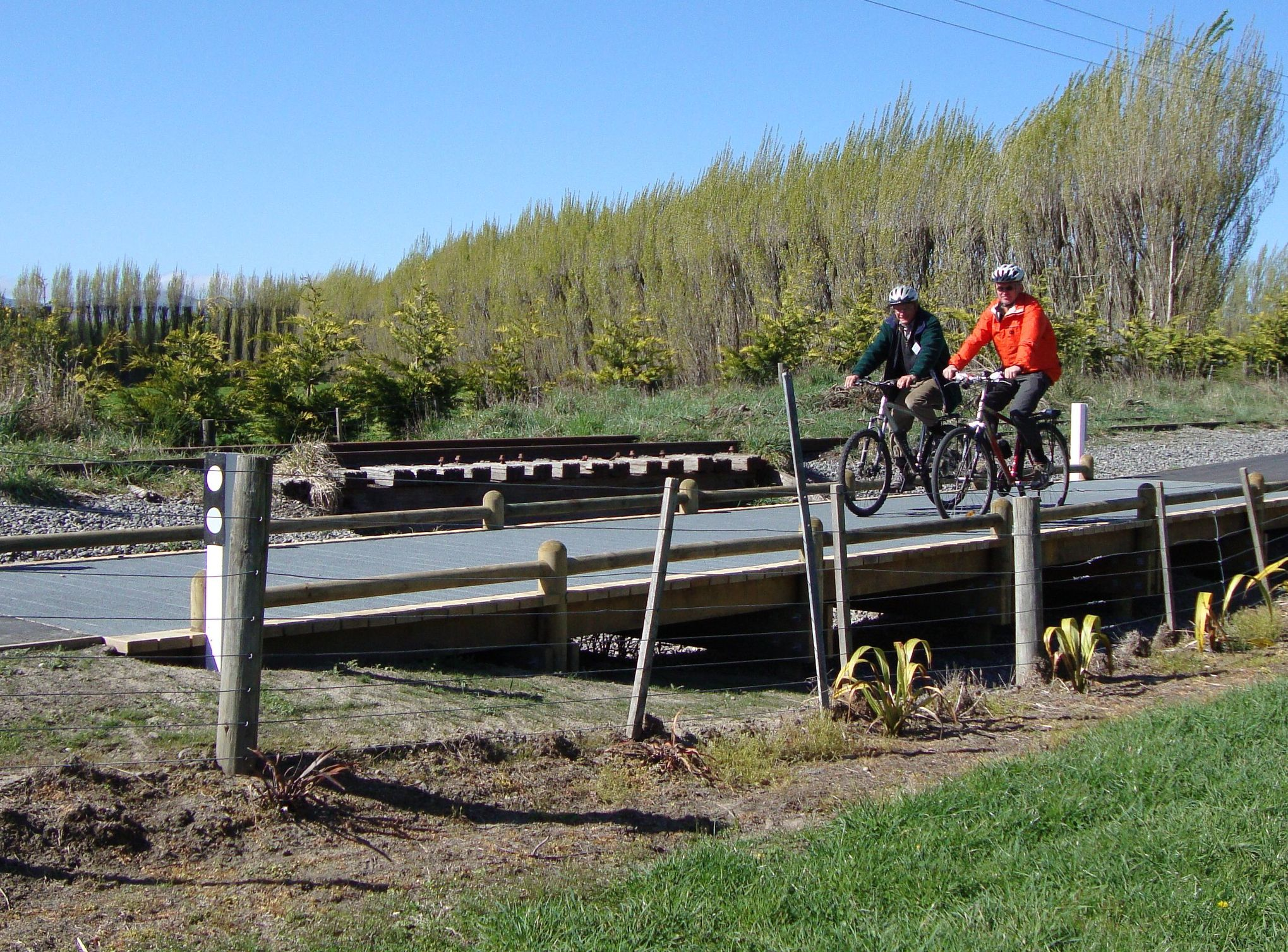 Axel and Chris Mason (the secretary of the Rail Trail Trust) on opening day