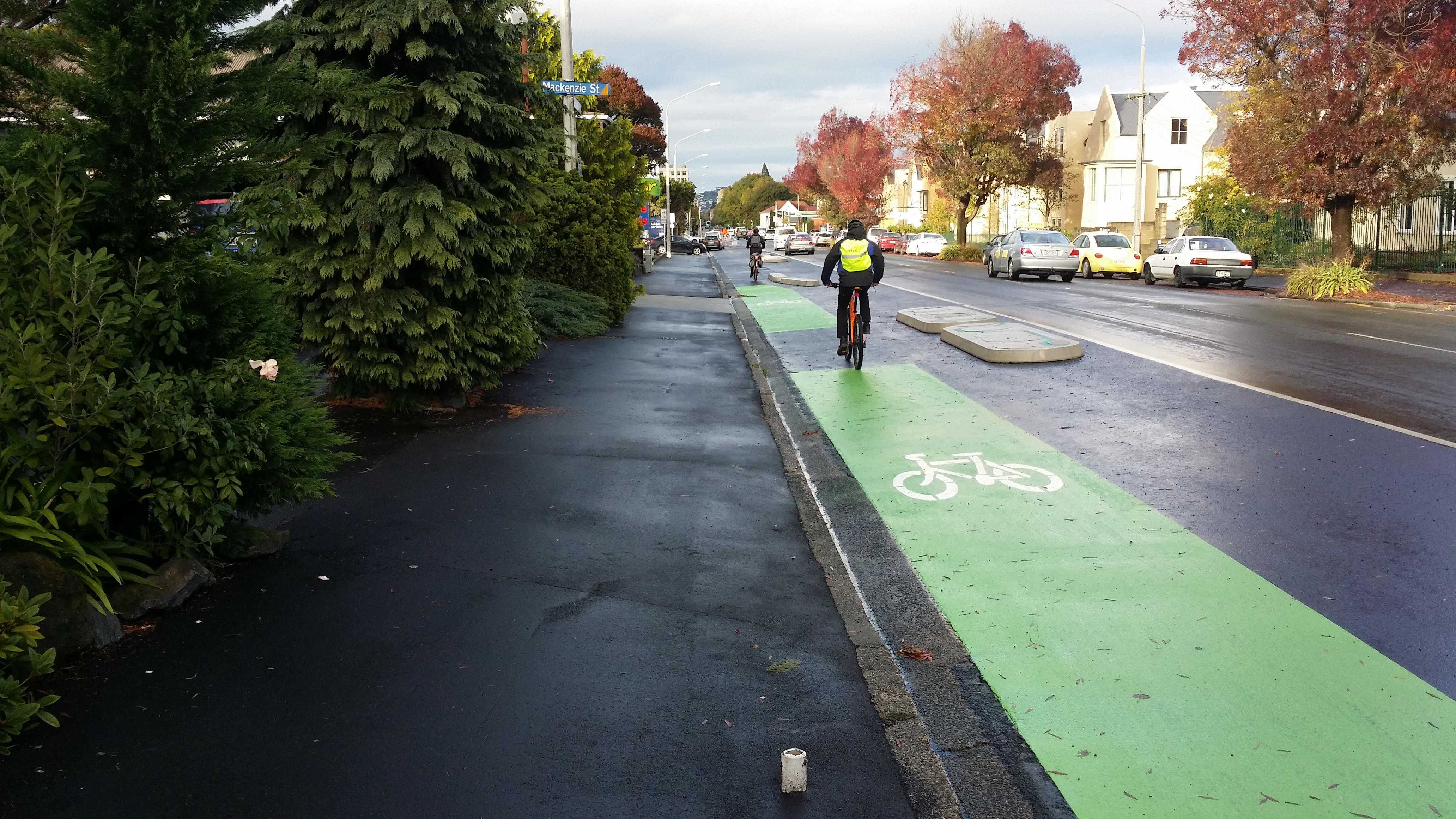 Separated cycle lanes