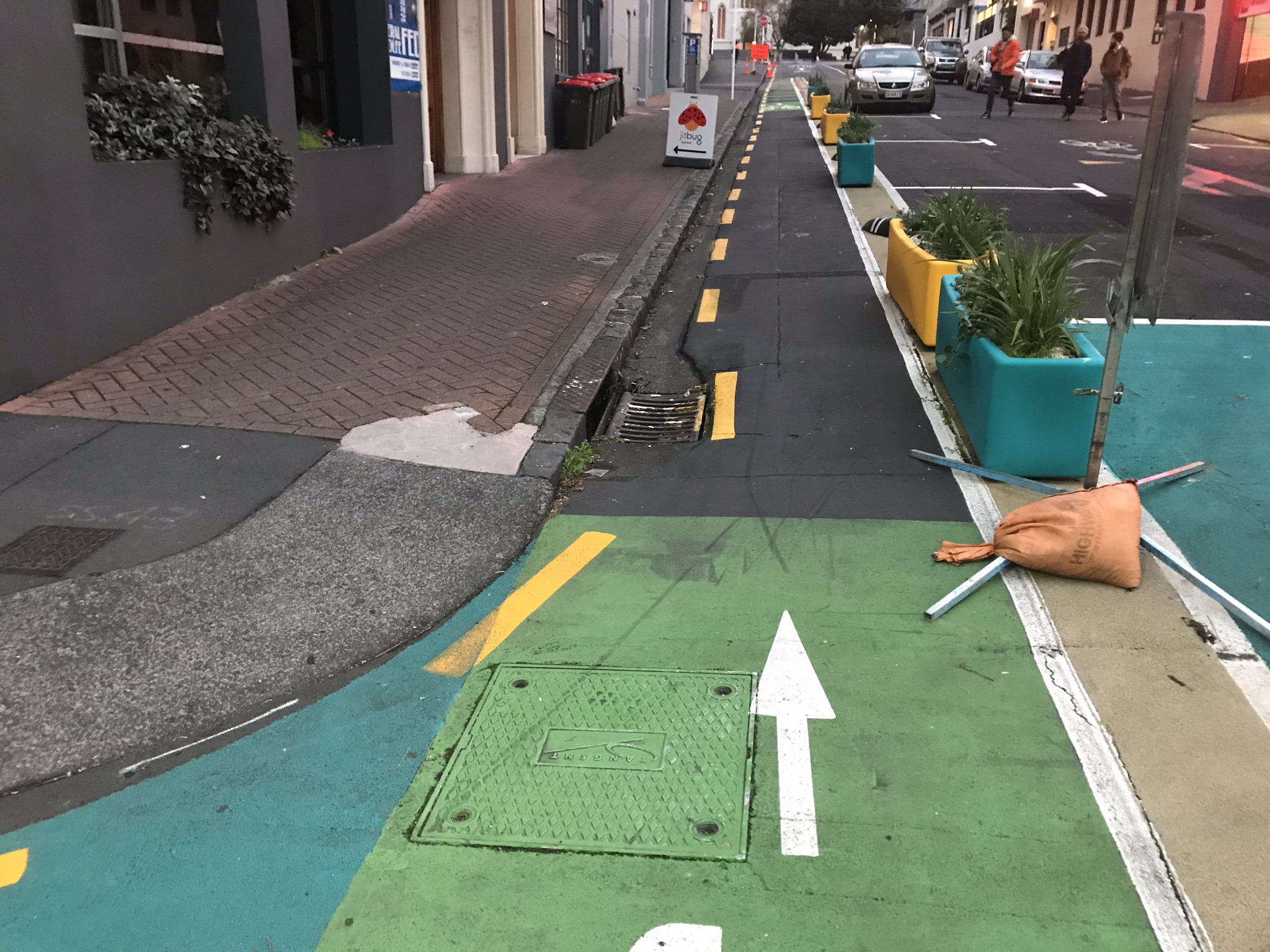 Contra-flow cycle lane